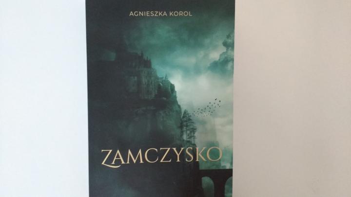"""Na dobranoc – """"Zamczysko"""" Agnieszka Korol; Wydawnictwo Własne"""