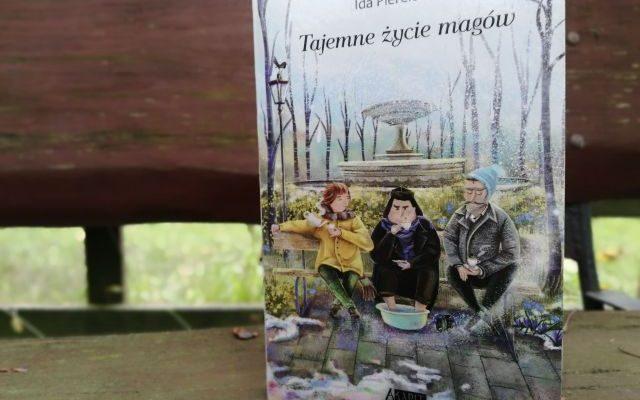 """ACH CI MAGOWIE – """"Tajemne życie magów"""" I. Pierelotkin; Akapit Press"""