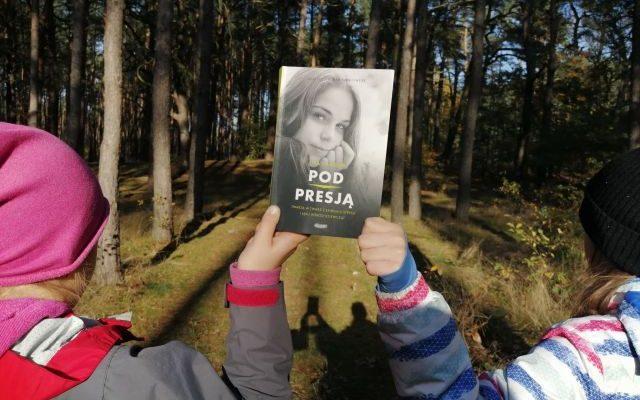 """Pod presją"" Lisa Damour; MAMANIA"